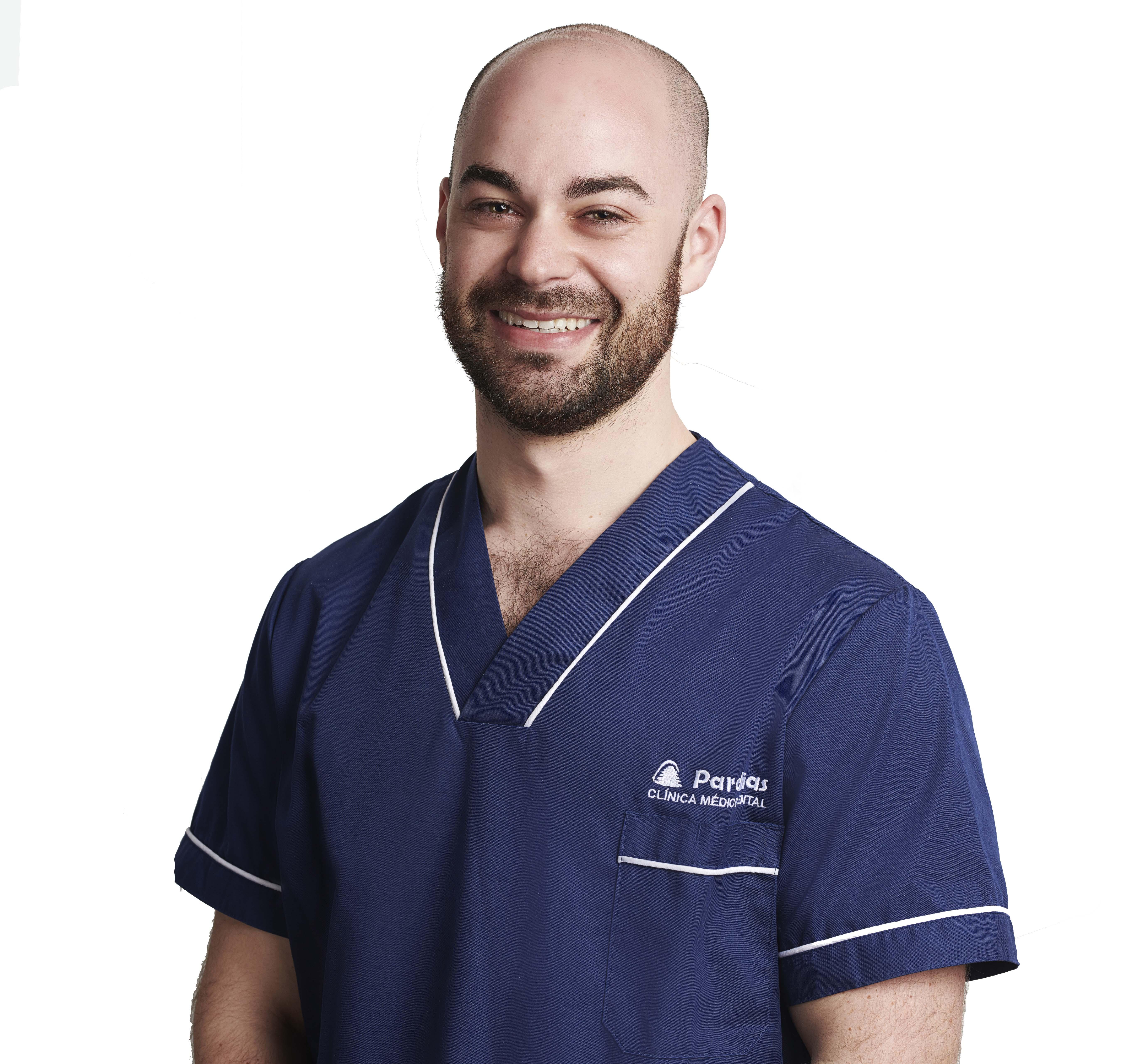 Dr. Roberto Pernas García: Doctor in Dental Surgery
